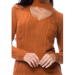 Blusa tricot gargantilha fang e tranças